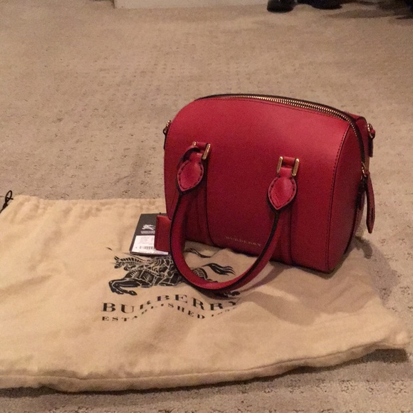 ac6c7d3e182f Burberry NWT small alchester bowling military red